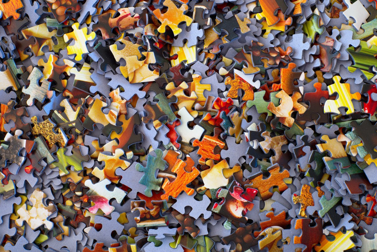 Picture of puzzle pieces in a pile