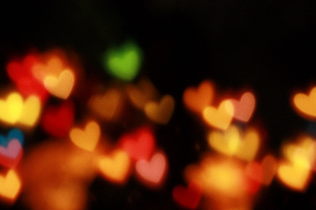 Picture of lights shaped like hearts