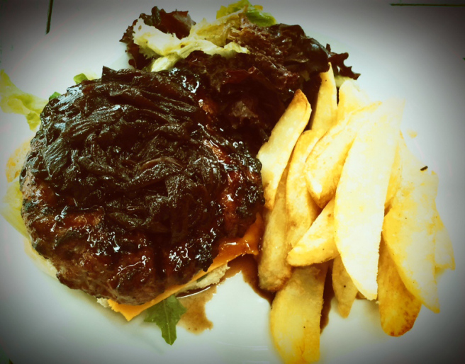 Picture of the pinotage burger at Beyerskloof's Red Leaf Restaurant in Stellenbosch